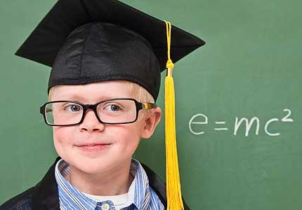 Ilustración niño con alto IQ