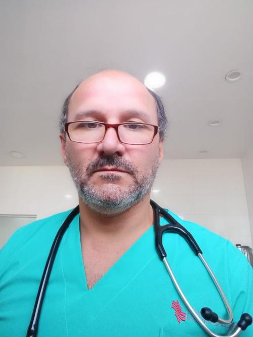 Dr. Oscar Salva